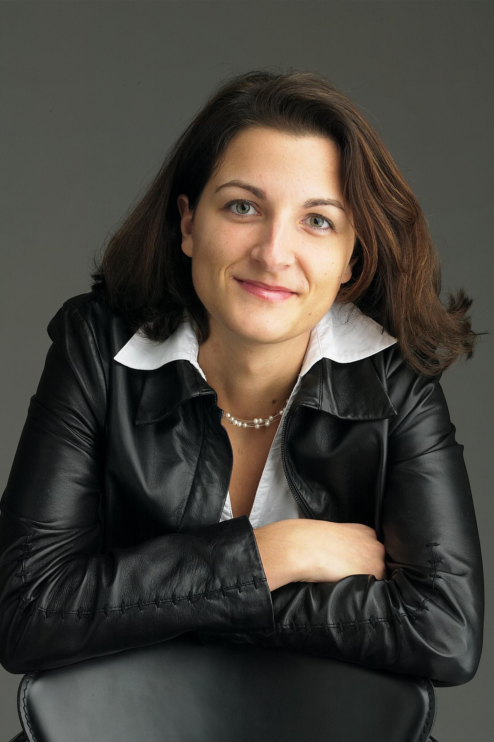 Cornelia Stolla